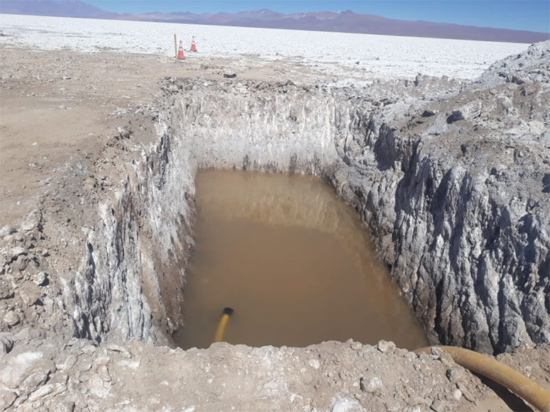 LITHIUM CHILE SIGNS DEFINITIVE AGREEMENT